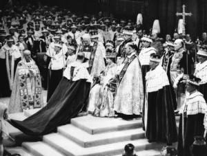 Elizabeth II. in der Westminster Abbey vor ihrer Krönung zur Königin am 2. Juni 1953. Foto: dapd